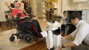اول إختبار لروبوت من تويوتا لمساعدة المقعدين والمرضي وكبار السن
