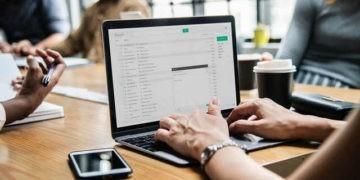 أفضل الطرق للعثور على عنوان البريد الإلكتروني الصحيح لأي شخص